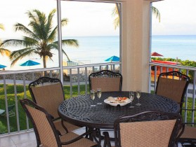 Luxury Ocean Front Condo on Smb! Beautiful Kitchen!!