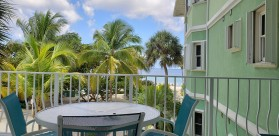 Spacious 2 Bed 2 Bath Beach Front Condo in Old Man Bay, Sleeps 6