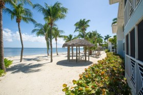 Beautiful 2 bed 2 bath Beachfront in Cayman Kai/Rum Point